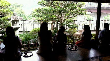 赤福本店から五十鈴川の眺め