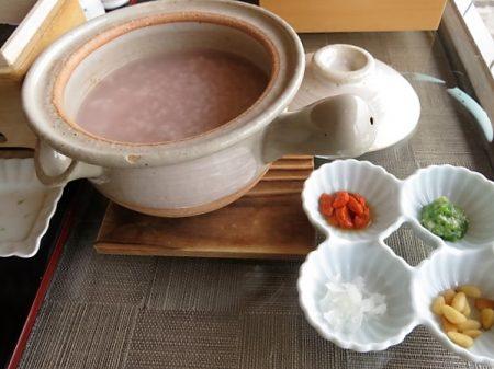 志摩観光ホテル朝食の薬膳粥