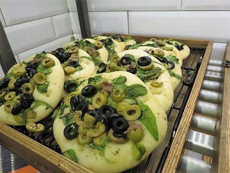 ゴントラン シェリエのオリーブとアボカドのパン