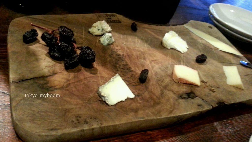 ユーロアールのチーズ盛り合わせ