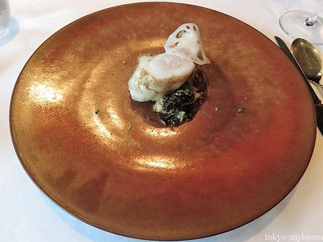 キジハタ柚子胡椒とレンコンと貝のソース