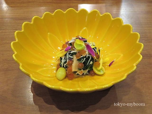 津居山蟹と春菊の和え物