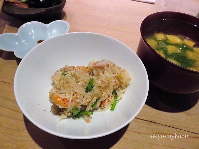 蟹ご飯とお味噌汁