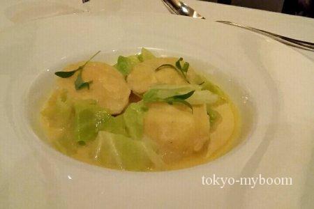 ラングスティーヌのラヴィオリと季節野菜のナージュ