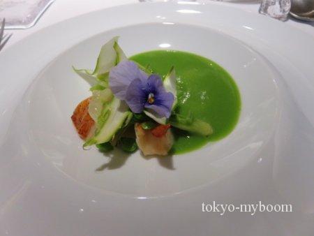 オマール海老と春野菜 グリーンピースのヴルーテ