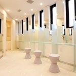 元町チャーミングセール商店街トイレ